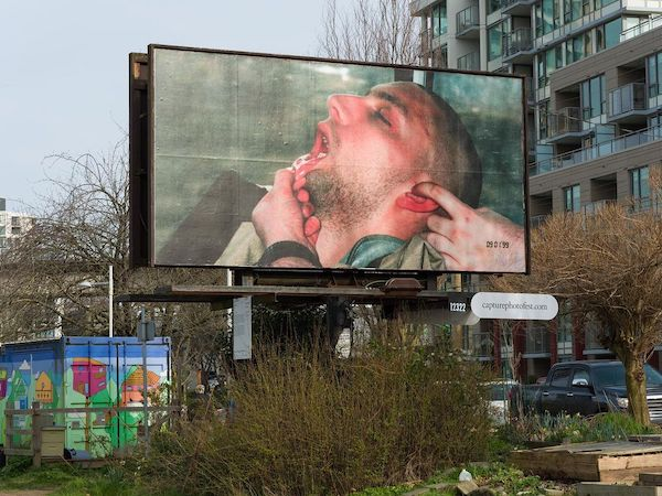 disturbing-vancouver-ads-of-sleeping-people-covered-up-after-intense-reactions.jpg
