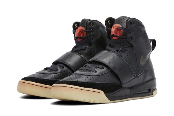 kanyes-prototype-yeezys-could-sell-for-1m-placed-among-most-valuable-sneakers.jpg