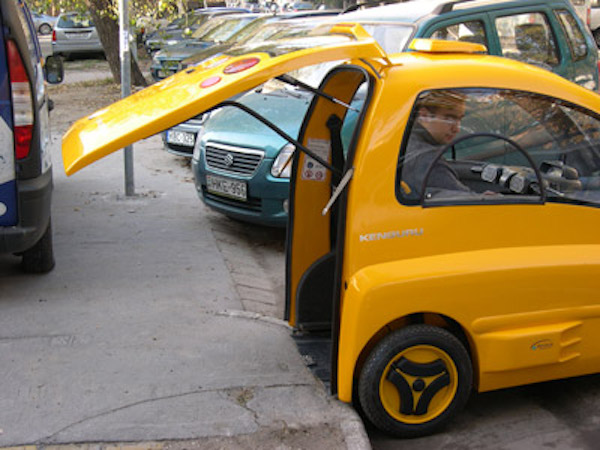 heres-the-first-ever-ev-for-wheelchair-users-no-driving-license-required.jpg