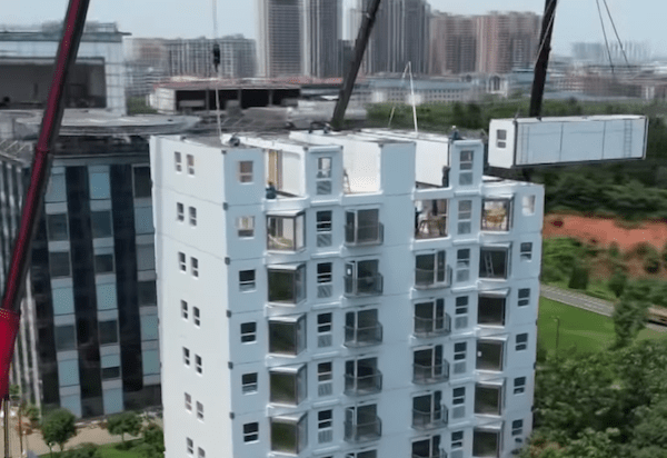 this-10-story-apartment-building-was-set-up-in-just-a-day.png